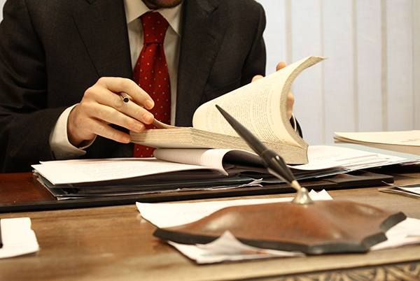 Bufete de abogados en Sevilla. Despacho de Manuel Caballero